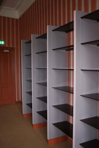 boekenkast-op-maat_hout_staal_eerste-kamer_01.jpg